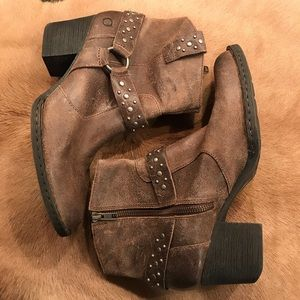 Born Shoes - Born Slater Antracite Distressed Leather Bootie9.5